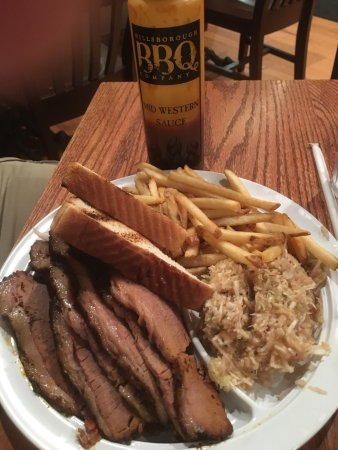 Hillsborough, Kuzey Carolina: We are new to the area and found a new favorite. Very friendly & fast service.  Recommend the ca
