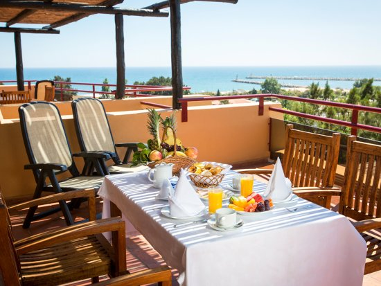 Dom Pedro Marina : Master Suite two bedrooms with terrace