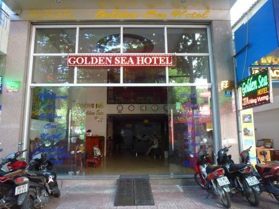 Hoang Hai (Golden Sea) Hotel: Ingresso