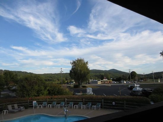 Fireside Inn & Suites at Lake Winnipesaukee: View from room 231