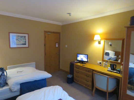 Loch Long Hotel : Good sized with really comfy beds