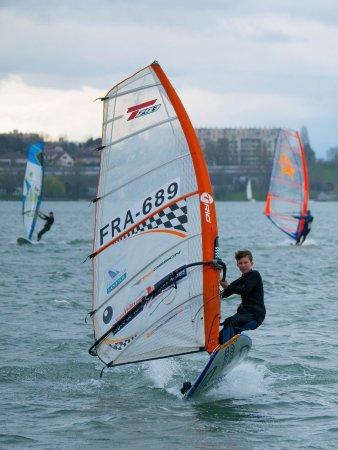 Planche A Voile Au Grand Large Picture Of Glisscenter Windsurf Paddle Meyzieu Tripadvisor