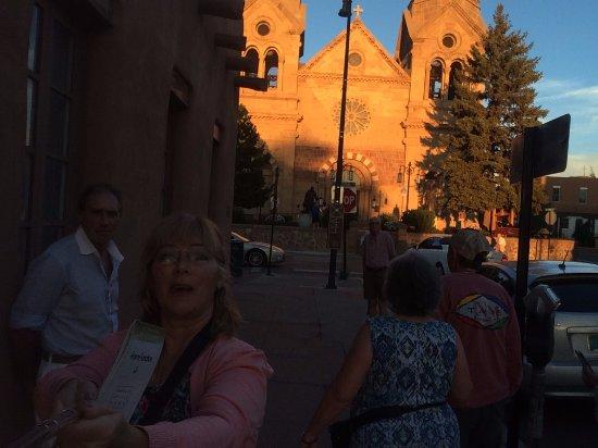 The Low Road From Taos and Santa Fe: iglesia en la zona antigua