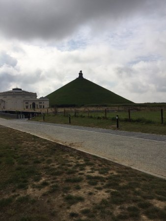 Waterloo, Bélgica: La collina del leone