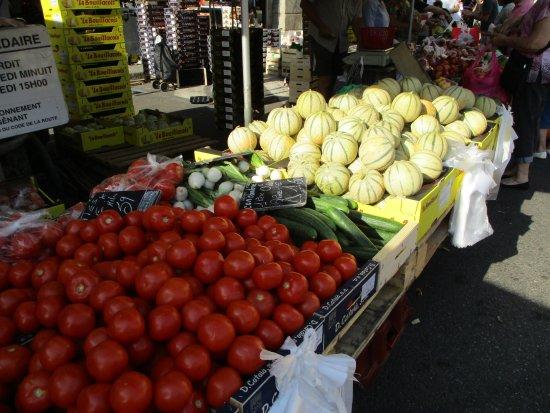Montmaur, Francja: Revel market