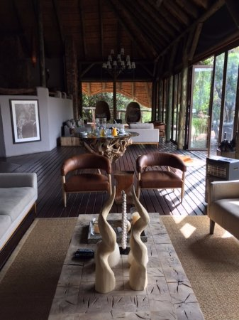 Shamwari Game Reserve, South Africa: Lounge area at Bayethe Tented Lodge