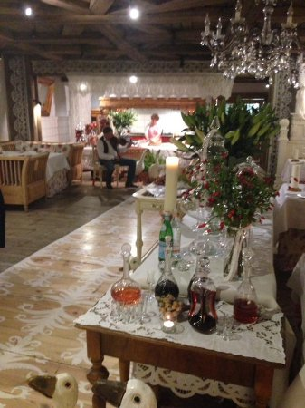 restaurant inside - music and a lady preparing polish food