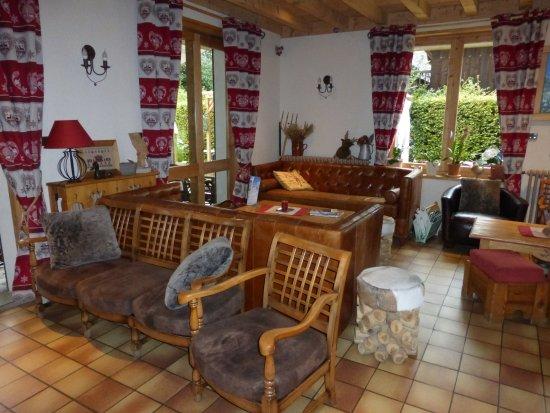 Hotel Residence Gai Soleil: une partie du salon-bar