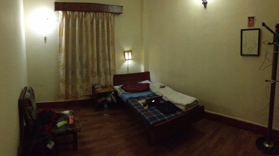 Lotus Guest House: single room without bathroom 500 Rs