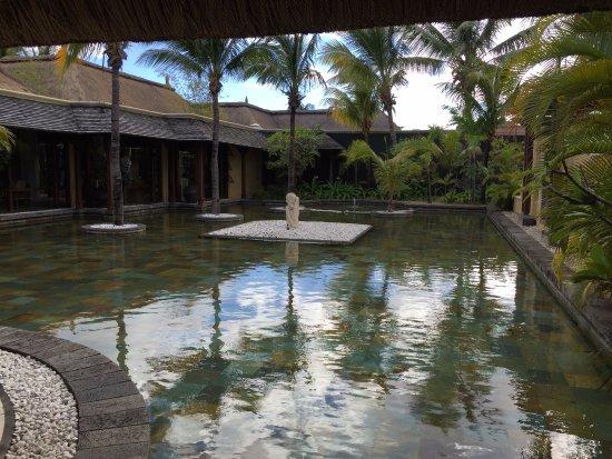 Beachcomber Paradis Hotel & Golf Club Image
