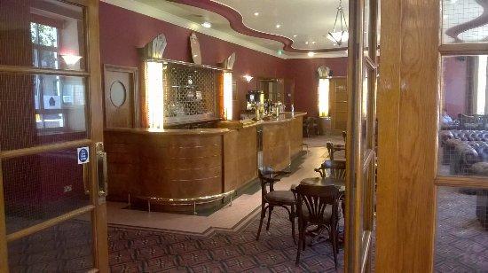 Tavistock Hotel: The bar