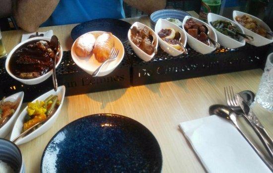 Eemnes, Nederland: Indische rijsttafel