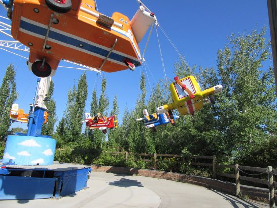Calaway Park : The young man running this ride offered to take a family photo!