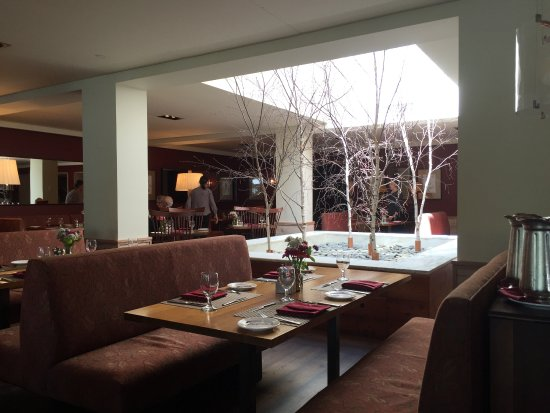 Red Rooster at The Woodstock Inn and Resort: The Red Rooster