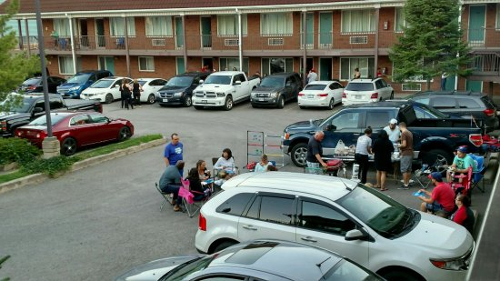 Comfort Inn Lundy's Lane: Constant party in parking lot