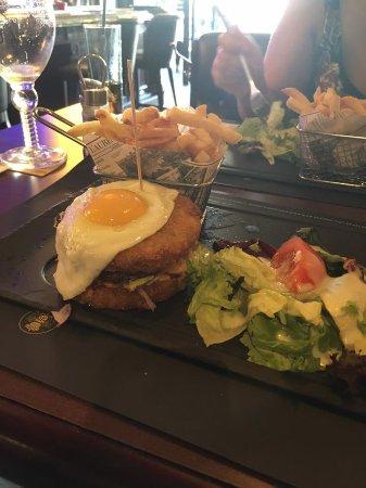 The food Potato Burger Picture of Au Bureau Boulogne sur mer