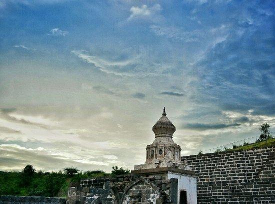 Lonar, India: DSC_0410~2-01_large.jpg