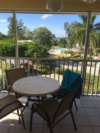 Tortuga Beach Club Resort: This is a wonderful place. Been here every year for the last 25 years! Everything is updated and