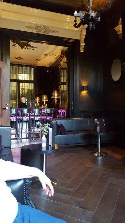 Canal House: Lobby and bar area