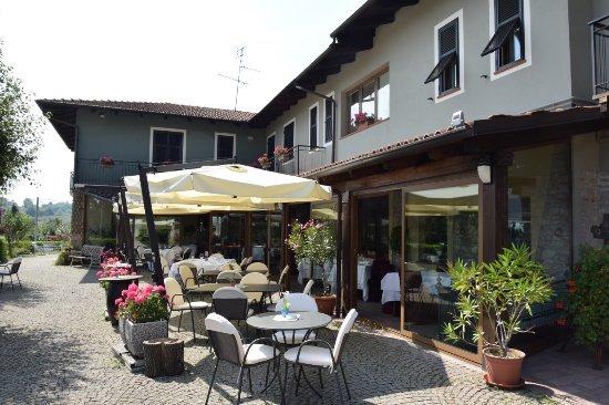 Cerretto Langhe, Italia: photo1.jpg