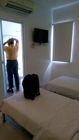 แฮงค์เอ้าท์ @ จันเกอร์: Kamar tidur sederhana dan bersih