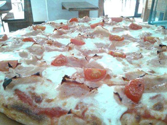 Zio's Pizza Brescia: Pomodorini, cotto e stracchino