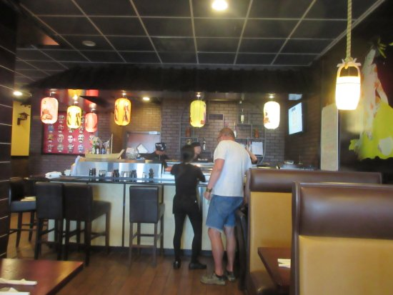 Milford, DE: Sushi bar in the back of the room is you feel like sitting at the bar