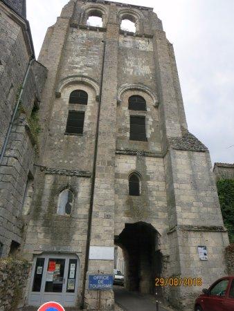Cormery, France : porte de la Collégiale