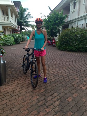 Hacienda De Goa Resort: Using a bicycle as I wanted to have an extra exercise