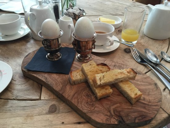 South Brent, UK: Duck eggs and sour bread soldiers