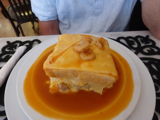 Armazem do Caffe: Francesinha - delicious!