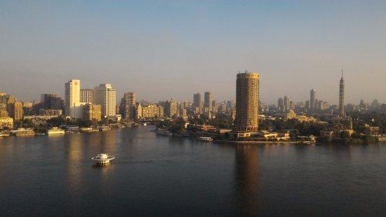 แกรนด์ไนล์ ทาวเวอร์: view of zamalek in the morning