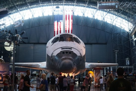 Chantilly, VA: Space Shuttle Discovery
