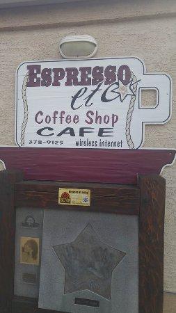 เมอร์ริตต์, แคนาดา: Go HERE for breakfast or lunch! On the corner of Granite & Garcia