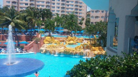 Azul Ixtapa Beach Resort & Convention Center: jacuzi y albercas