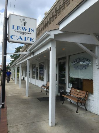 Saint Clair, Миссури: exterior of cafe