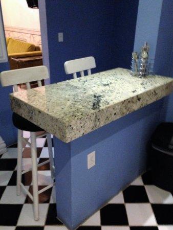 Rivera del Rio: full kitchen in this suite!