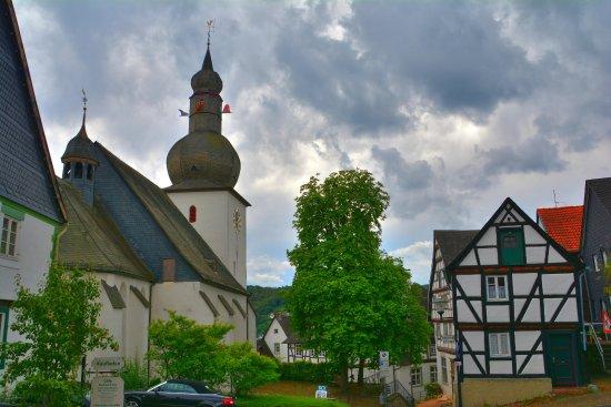 Arnsberg, Niemcy: Kirche am Schloßberg