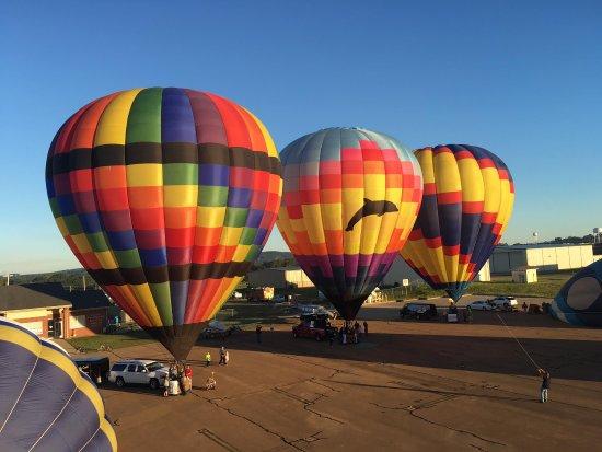 High Ridge, MO: Over The Rainbow...