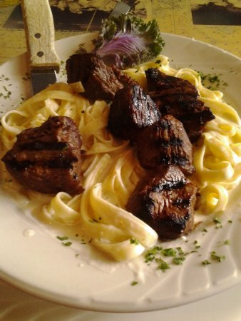 Yarmouth Port, MA: Steak tips with alfredo