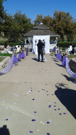 Myers Park and Event Center: Wedding AT the Park in front of the lake at the gazebo