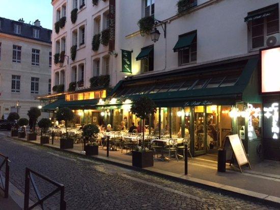 Le Petit Zinc : Very romantic setting!