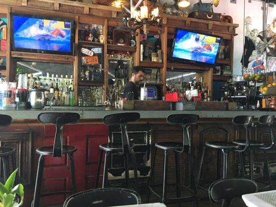 Moreno S Cuba Bar