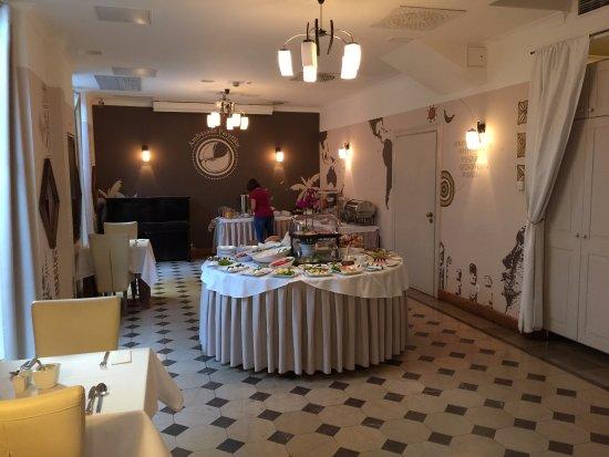 Hotel Grodek: Buffet area