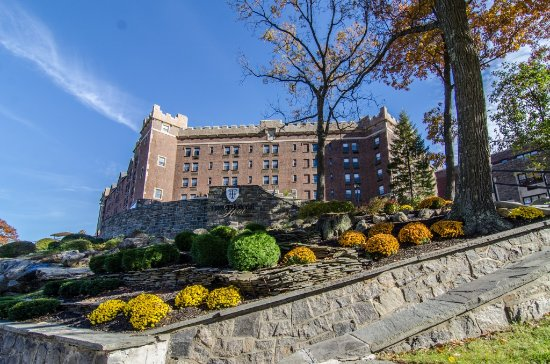 The Thayer Hotel: The Thayer in the Fall