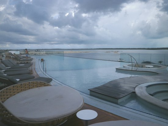 Bimini: Rooftop infinity pool