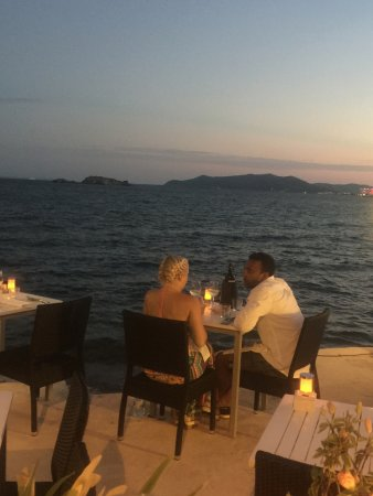 Restaurante Soleado : Perfect for a romantic dinner at the waters edge