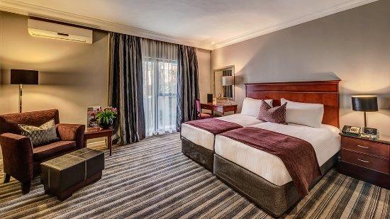 Southern Sun Katherine Street Sandton: superior room more