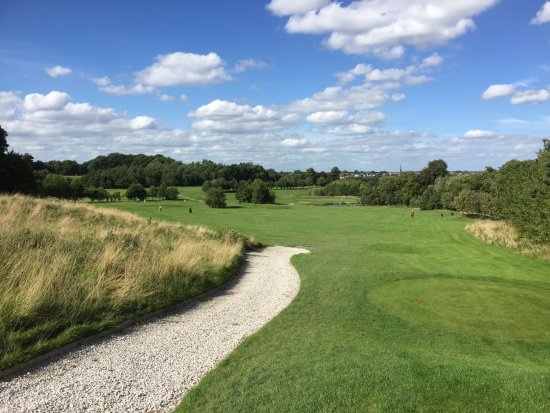 Oulton, UK: Another hole on last 9.