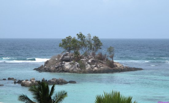 Anse Royale, Îles Seychelles : View from balcony.